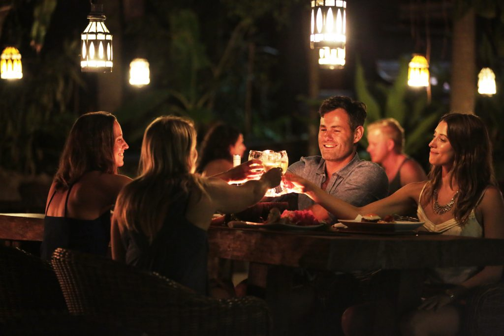 Vanuatu on sale - Share Laughter moonlight dinner